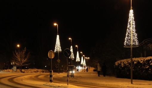 Här är Jönköpingsvägen som också fått ny belysning