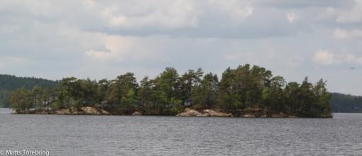 Denna ön heter Kalsö