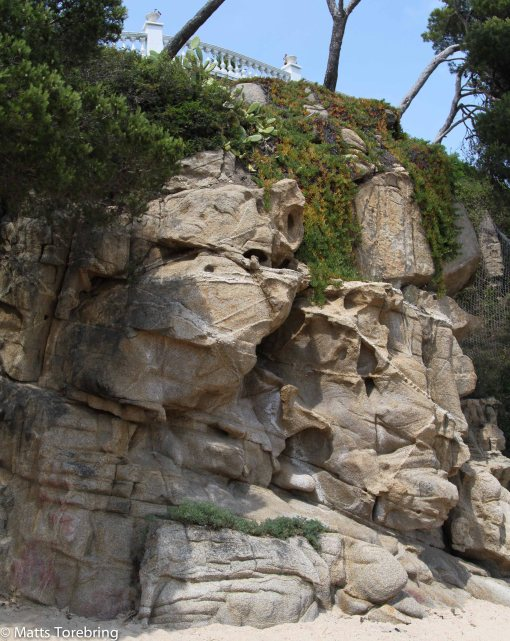 Märkliga formationer i stenarna av tides tand