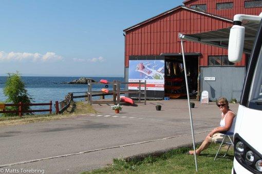 Här har vi fått bästa platsen i hamnen i Hästholmen, Ödeshög.