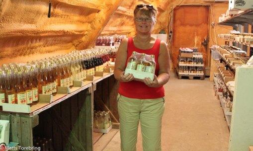 Vi är storkonsumenter av äppelcidervinäger och köpte en hel bricka.