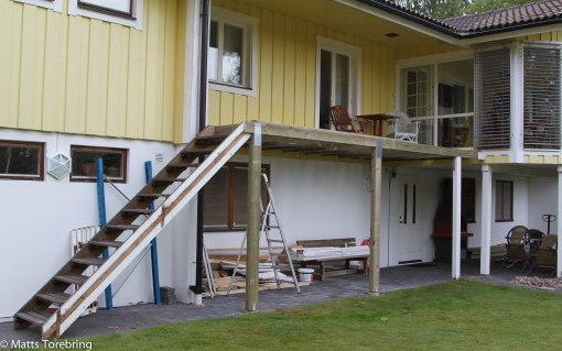 Trappen är flyttad och stommen är klar.