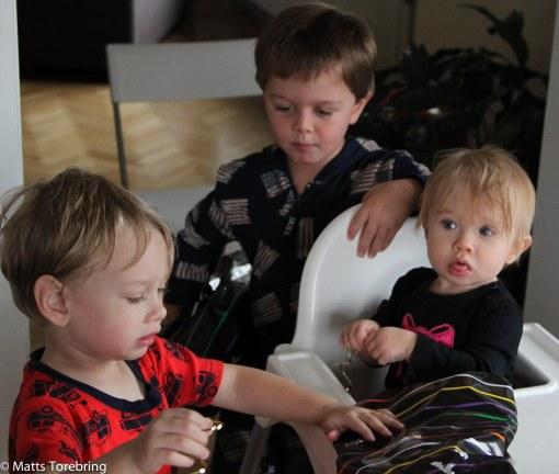 Hon fick god hjälp av storebror Oliver och kusin Linus