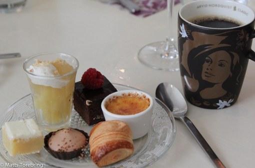 Kaffe och min dessert