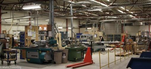 Snickerifabriken går i skift