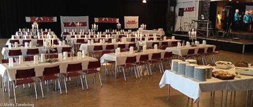 På fredagskvällen var det uppdukat till stor 10- årsfest i samma lokaler.