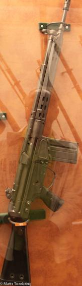 Denna hemska AK 4 sköt jag med i lumpen.