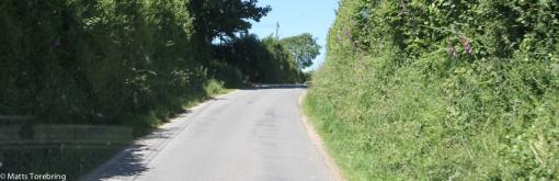 Vi har lämnat stora vägen och har 25 km kvar till vårt resmål,....