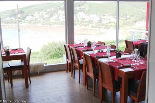 En mycket trevlig restaurang med utsikt över havet