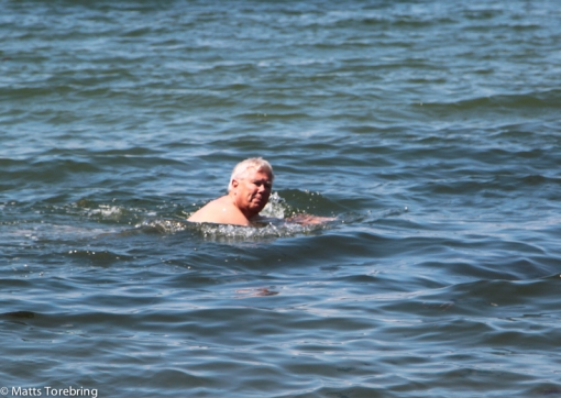 Vi gick ned till havet för jag ville doppa mig i Atlanten.