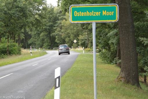 Leta upp en ställplats norr om Hannover, sa jag till Birgitta, när jag satt och körde