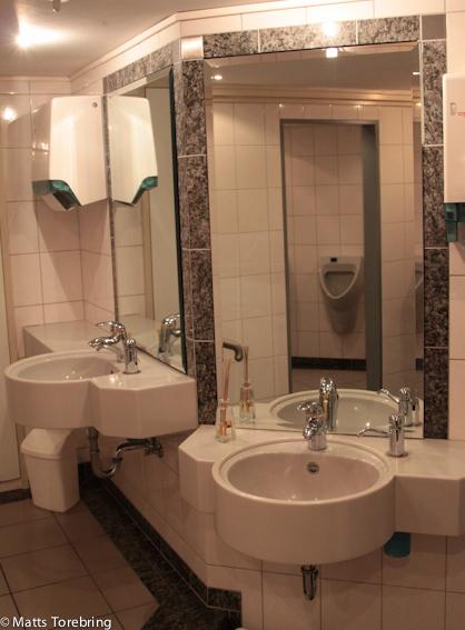 Hur många ställplatser har en toalett som denna?