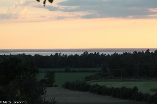 Bakom oss börjar det skymma över Kalmarsund