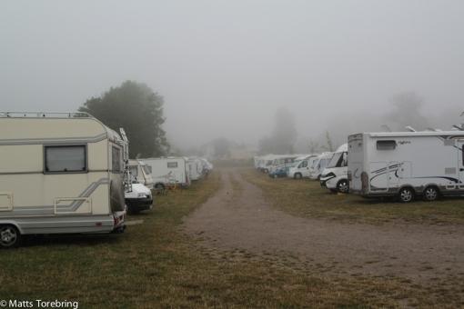 Vi vaknar till en dimmig morgon
