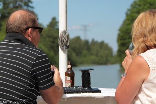 Detta tyska par tog plats i fören och konsumerade vin & öl, hela tiden,  tur & retur