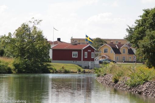 Svenska flaggan vajar i Borensberg