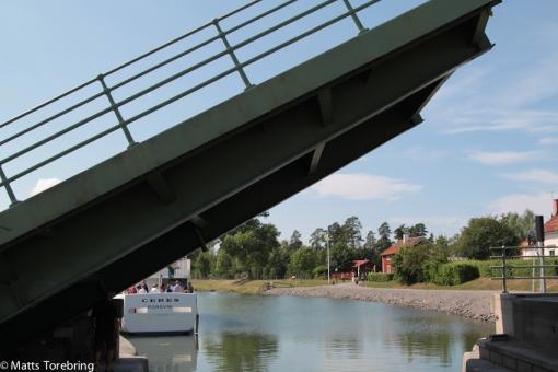 Stora bron går upp i Borensberg