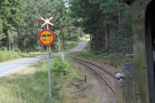 Många mindre vägkorsningar passerades