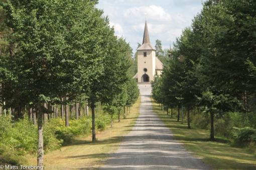 Vi lämnar Ohs kyrka och reser knappt 20 km hemåt igen.