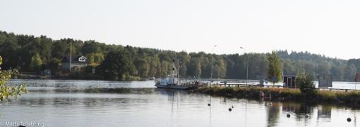 Här går en liten färga över till Blåvik, nära Boxholm om du inte väger över åtta ton.