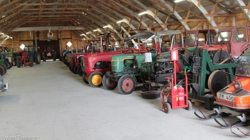 Det vare roligt att går runt och gissa årsmodell på traktorerna