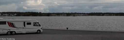 Det finns några få ställplatser kvar på Skeppsbrokajen