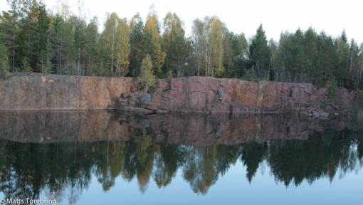 Delar av ett stenbrott kan se vackert ut