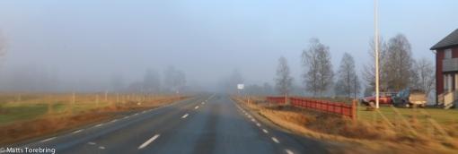 Helt plötsligt låg ett dimmoln över vägen