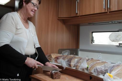Vi fyllde hela frysen i husbilen med färskt bröd