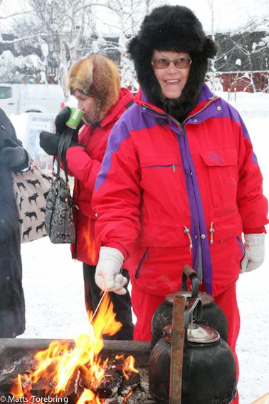 Vattenfall bjöd på Mach mellows som Birgitta grillar