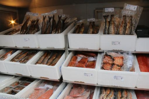 Fryst fisk & renkött fanns det gott om.