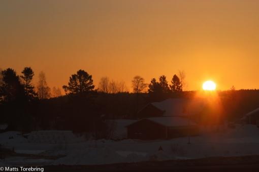 Solen dök upp efter en timmas körning.