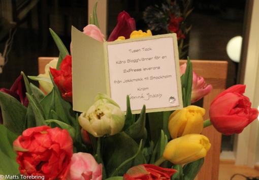 """I Hägersten kom en """"Budbil"""" med blommor från Yvonne Loser"""
