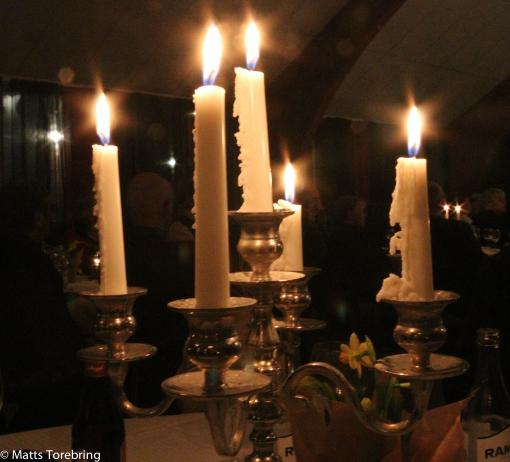 Alla brinnande ljus höjde festligheten