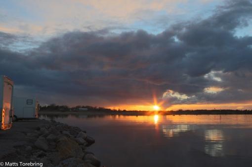 Solen lämnar oss på fredagskvällen i Kårehamn