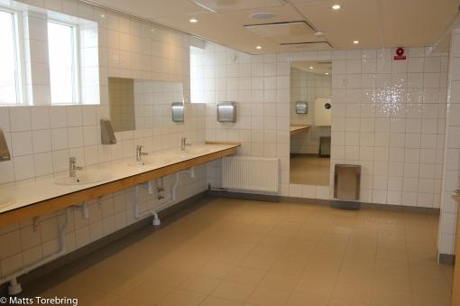 Helt otroligt fina toaletter, duschar och hygienutrymmen.