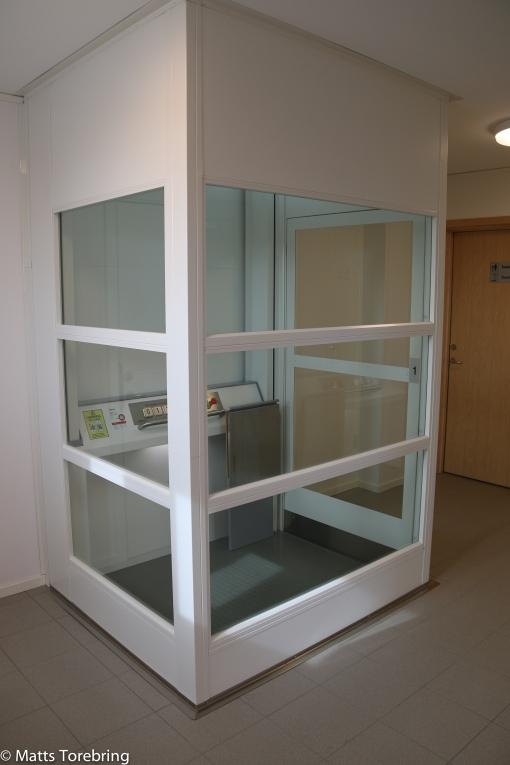 Hiss till hygienutrymmen på andra våningen