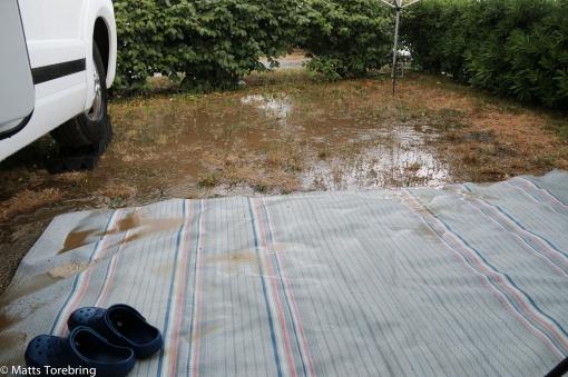 Vi fick in ganska mycket vatten på vår gård
