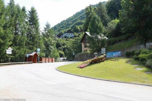 Vi kom upp till en liten by i bergen