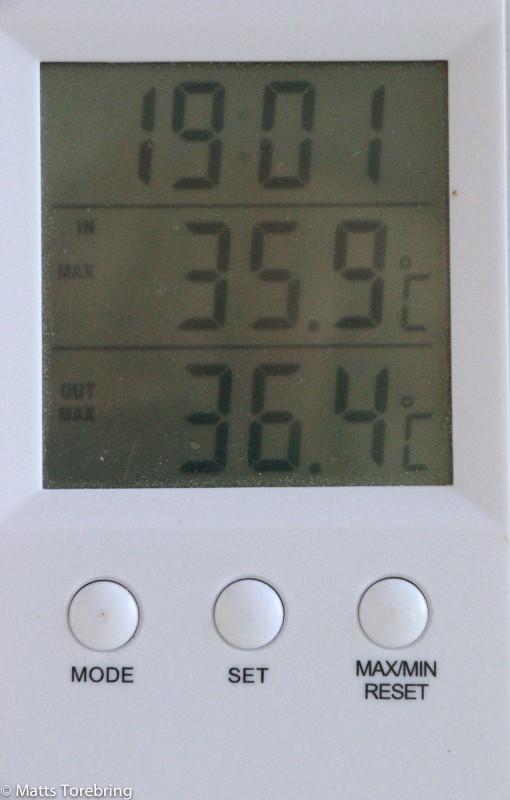 När vi reser klockan sju på morgonen har vi + 27 grader