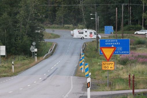 Olycksdrabbad vägkorsning i Bredestad