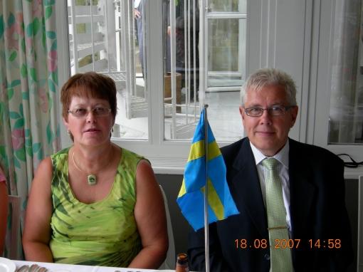 Det högtidliga överlämnandet skedde på Ulriksdals Värdshus i Stockholm