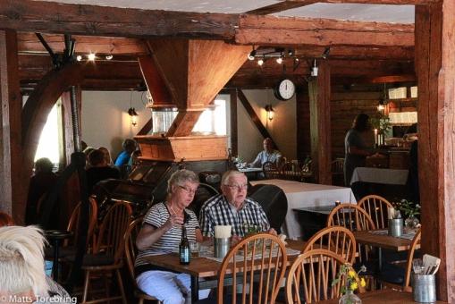 Innemiljön i den gamla kvarnen som nu är restaurang