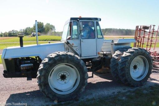Vårt lag började köra monstertraktor